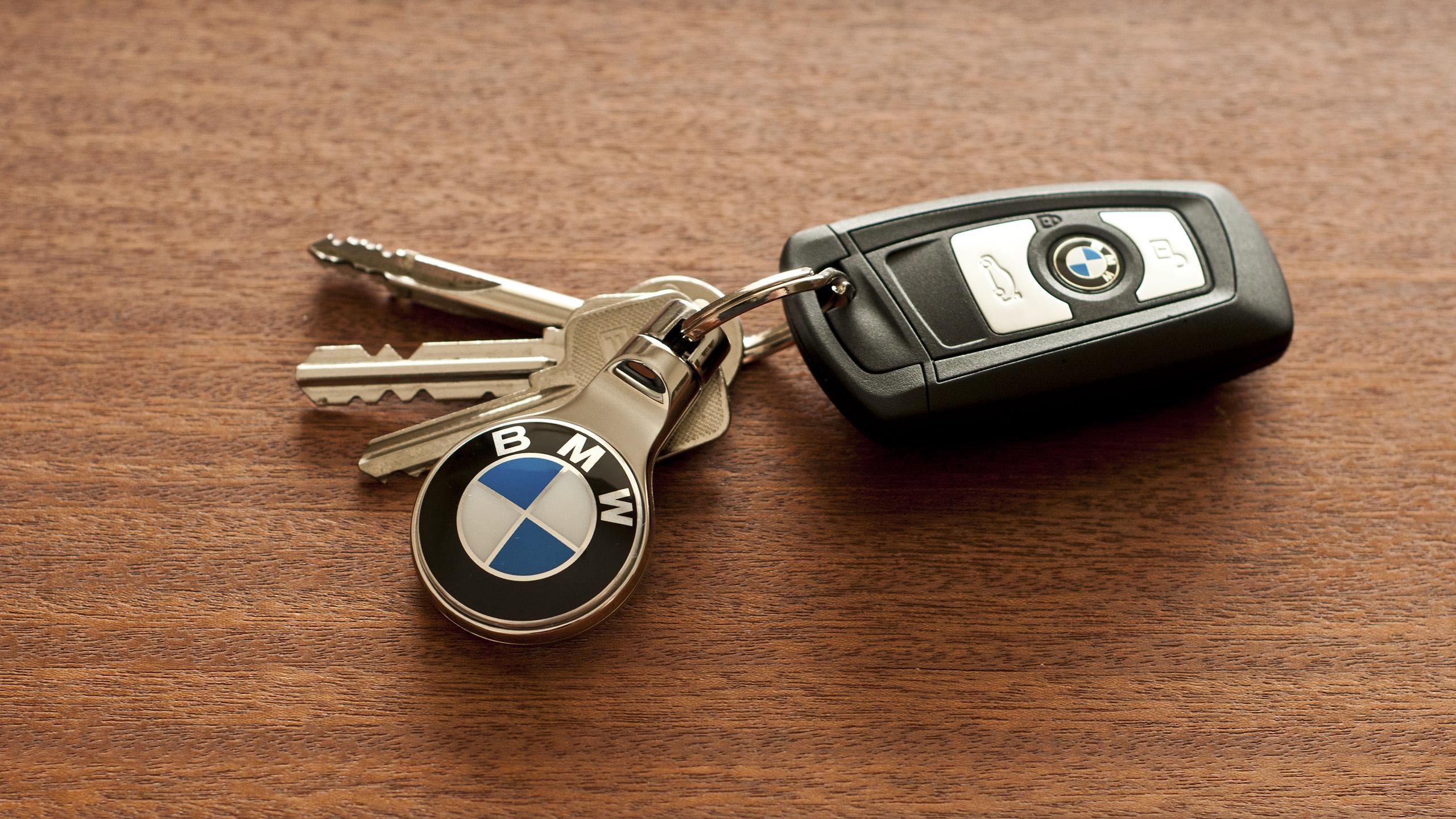 Scazziga Industrial Design › BMW Keychain 35165d44f034
